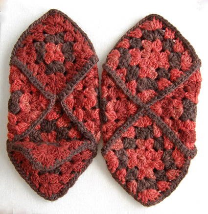 granny-square-slippers-28