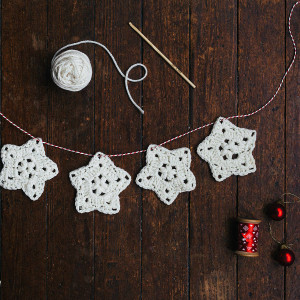 original_crochet-a-christmas-star-garland