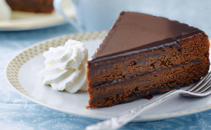Не совсем классический рецепт торта Захер со сливочным кремом (sachertorte)