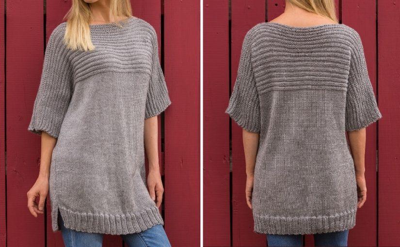 Свободный женский свитер спицами