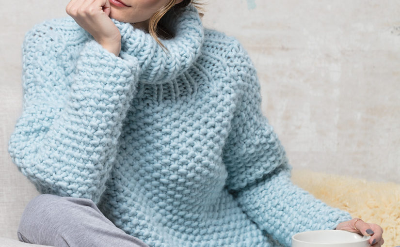 Оверсайз-пуловер спицами VOGUE KNITTING